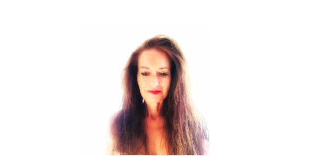 Hélène Scherrer, créatrice de la Communauté ClairConscience dédiée à l'éveil de votre intuition