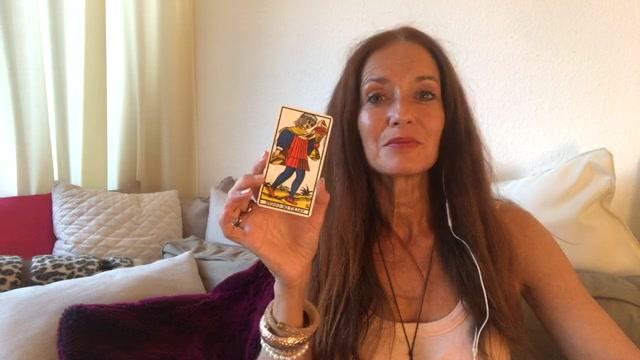 Clin d'oeil tarot-intuitif avec Hélène Scherrer de la Communauté ClairConscience