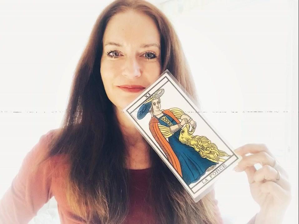 confiance en soi, estime de soi, intuition, tarot de marseille, hélène scherrer, tarot intuitif, école de tarot, apprendre le tarot