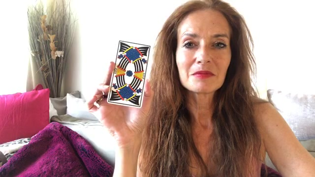 intuition, conscience, hélène scherrer, école de tarot, apprendre le tarot, 6ème sens, spiritualité, confiance en soi, estime de soi, clairconscience