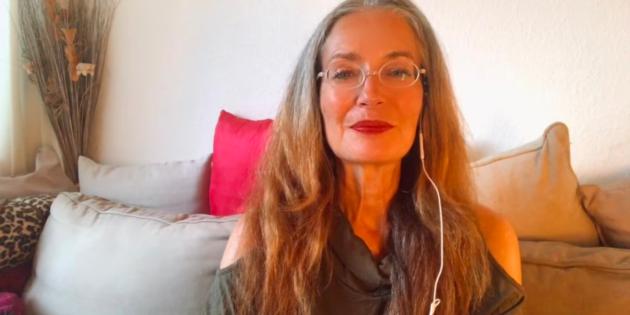 Hélène Scherrer de la Communauté ClairConscience dédié à l'éveil de l'intuition grâce au Tarot de Marseille